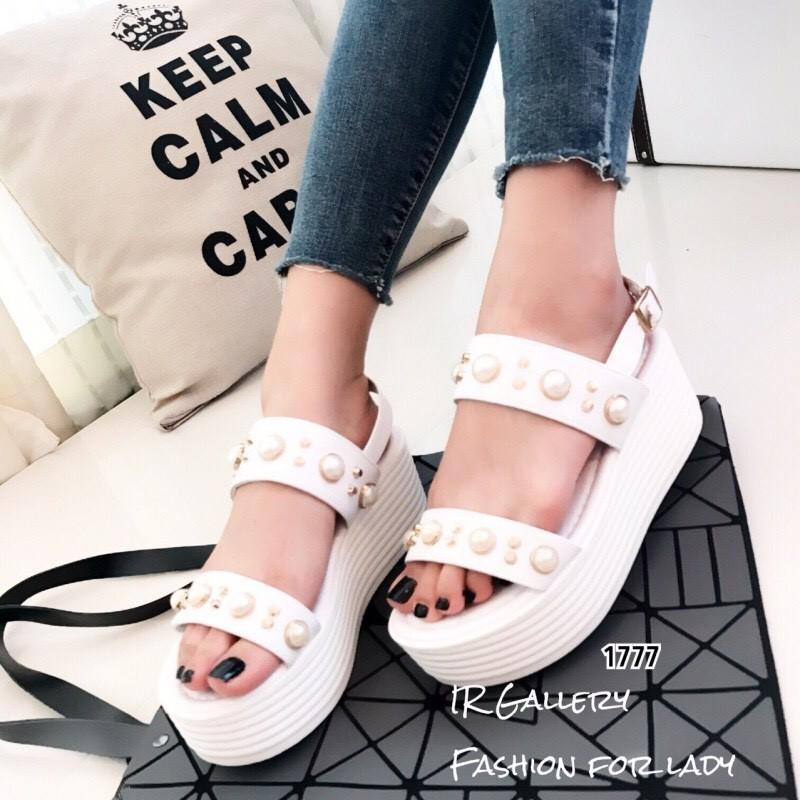 รองเท้า Platform แต่งมุก (สีขาว)