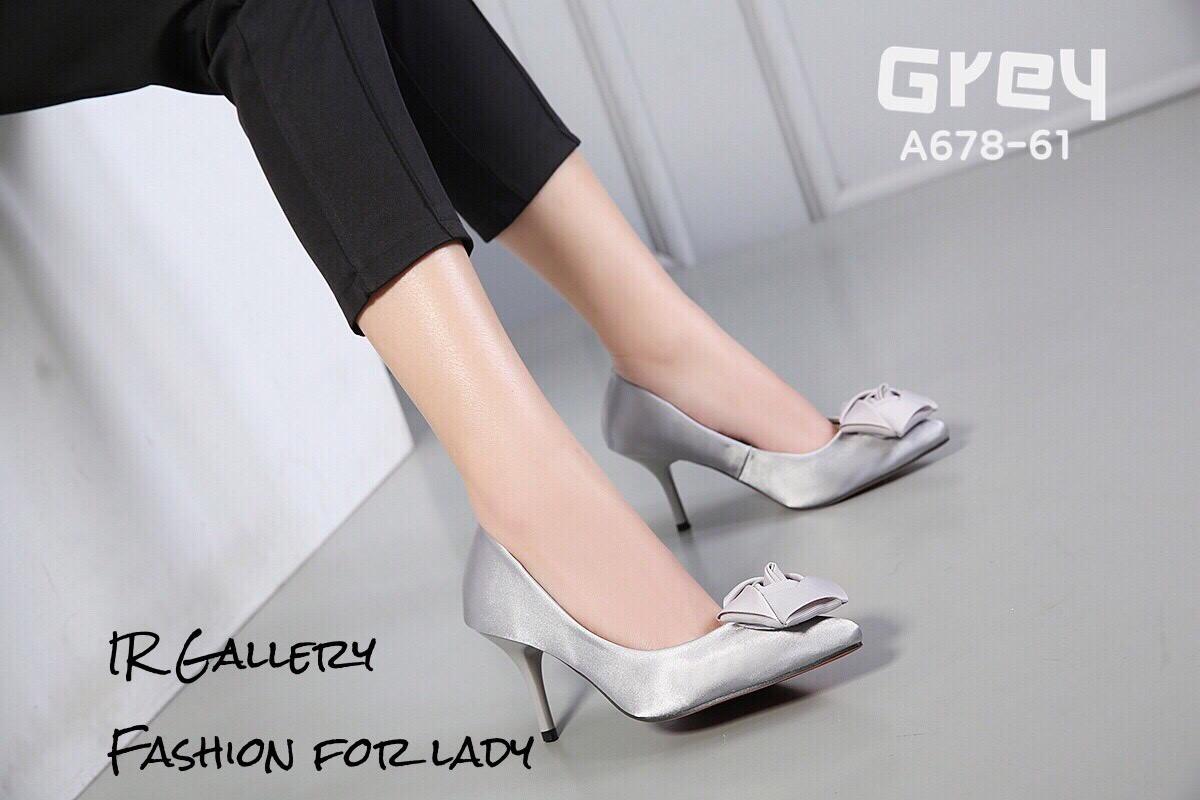 รองเท้าคัทชูซาตินแต่งดอกไม้ (สีเทา)