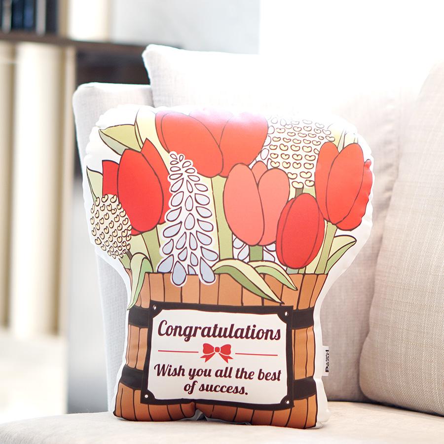 ของขวัญรับปริญญา - หมอนกระถางไม้ Congratulations Tulip Wooden Bucket
