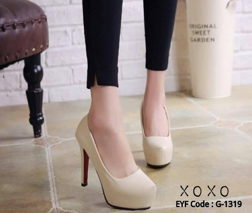 รองเท้าคัทชูส้นสูงหุ้มส้นแบบเรียบ (สีครีม)