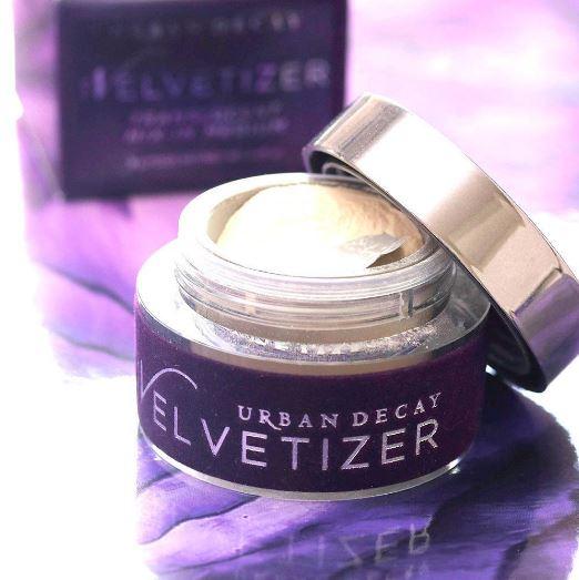 **พร้อมส่ง**Urban Decay The Velvetizer Translucent Mix-In Medium 8g. แป้งฝุ่นเนื้อแมทเนื้อโปร่งแสง ใช้ได้ทุกสีผิว เนื้อแป้งนุ่มละเอียด บางเบาแต่ปกปิดริ้วรอยได้เป็นอย่างดี สามรถใช้เดี่ยวๆ หรือใช้เป็นฟินิชพาวเดอร์เซ็ทเครื่องสำอางในขั้นตอนสุดท้ายได้ด้วยค่ะ ไ