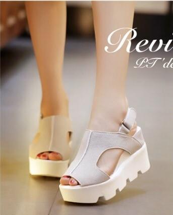 รองเท้าส้นเตารีดเมจิกเทปส้นหยัก (สีครีม)