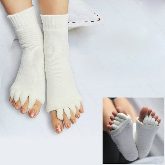 ถุงเท้าบำบัดนิ้วเท้าให้แยกกัน