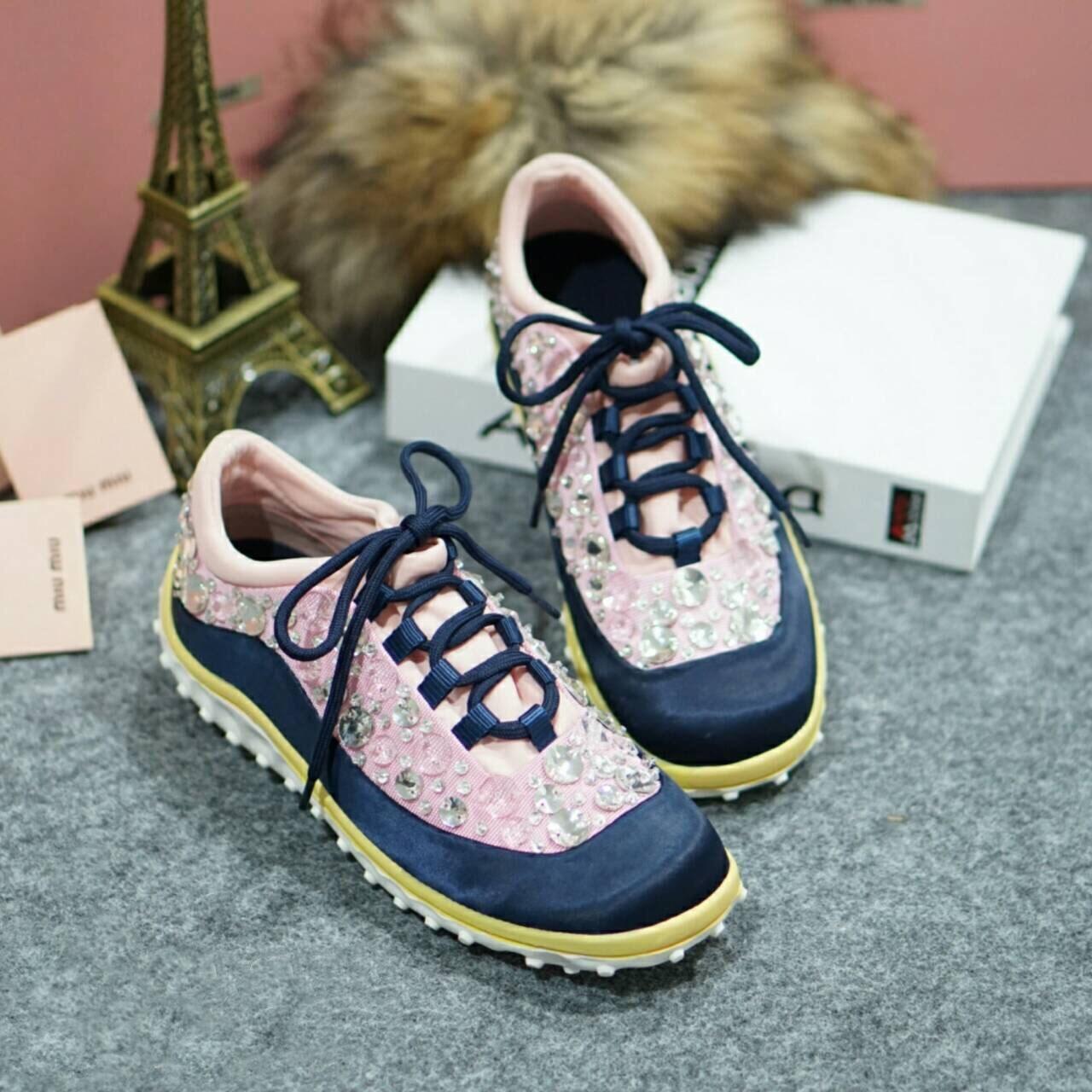 พร้อมส่ง : รองเท้า MIUMIU Sneakers Hi-End Grade (สีชมพู)