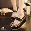 พร้อมส่ง : รองเท้าส้นเตารีดแบบลำลอง (สีดำ)