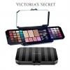 *พร้อมส่ง*Victoria's Secret Ultimate Bombshell Essential Makeup Kit พาเลทแต่งหน้าสุดอลังการที่มีออกมาทุกปี ของแบรนด์น้ำหอมชื่อดังจากอเมริกา ที่ยังคงคอนเซ็ปหรูหรามีระดับในราคาที่จับต้องได้ พาเลทตัวนี้ตัวเดียวจบเลยค่ะ ตั้งแต่หน้า คิ้ว ตา แก้ม ปาก แป้งพ