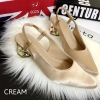 พร้อมส่ง : รองเท้าหัวแหลมส้นทอง Style Zara (สีครีม)