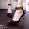 รองเท้าส้นเข็มแต่งทอง (สีดำ)
