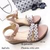 รองเท้าส้นเตารีดสไตล์ BaoBao (สีชมพู)