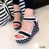 รองเท้าส้นเตารีดลาย Pokka Dot (สีดำ)