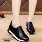 รองเท้าผ้าใบทรงสวมพิมพ์ลายสีทูโทน (สีดำ)