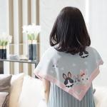 ผ้าพันคอ ลาย Rabbit Family - Grey พร้อมส่ง
