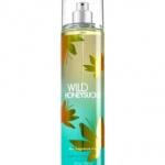 **พร้อมส่ง**Bath & Body Works Wild Honeysuckle Fine Fragrance Mist 236 ml. สเปร์ยน้ำหอมที่ให้กลิ่นติดกายตลอดวัน ด้วยกลิ่นหอมโทนผลไม้ มะนาว พีช และเมล่อน ผสมกลิ่นดอกฟรีเซีย มะลิ และกุหลาบ รวมกลิ่นหอมยอดฮิตไว้ในกลิ่นเดียว หอมคะ