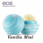 **พร้อมส่ง**EOS Visibly Soft Lip Balm กลิ่น Vanilla Mint ลิปบาล์มออแกนิกส์รูปไข่ กลิ่นหอมหวานวนิลลามิ้นท์ เพื่อสุขภาพริมฝีปากจากสารธรรมชาติที่อุดมไปด้วยสารต้านอนุมูลอิสระ สัมผัสกับริมฝีปากทีนุ่มอย่างชัดเจน สกัดจากธรรมชาติ 100% Organic 95 % เต็มไปด้วยการบำ
