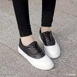 รองเท้าผ้าใบแต่งสีทูโทน (ดำ)