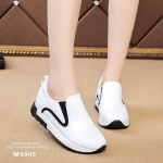 รองเท้าผ้าใบทรงสวมพิมพ์ลายสีทูโทน (สีขาว)