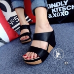 รองเท้าส้นเตารีดหนังนิ่มคาดหน้า (สีดำ)