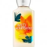**พร้อมส่ง**Bath & Body Works Wild Honeysuckle Shea & Vitamin E Body Lotion 236 ml. โลชั่นบำรุงผิวสุดพิเศษ กลิ่นหอมโทนผลไม้ มะนาว พีช และเมล่อน ผสมกลิ่นดอกฟรีเซีย มะลิ และกุหลาบ รวมกลิ่นหอมยอดฮิตไว้ในกลิ่นเดียว หอมคะ ,