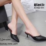 รองเท้าส้นเตี้ยเปิดส้นแบบสวม (สีดำ)
