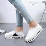 รองเท้าผ้าใบทรงslip onแต่งชาย (สีขาว)