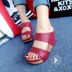 รองเท้าส้นเตารีดหนังนิ่มคาดหน้า (สีแดง)