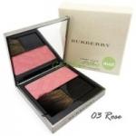 *พร้อมส่ง*Burberry Light Glow Natural Blush 7g. No.03 Rose Blush บรัชปัดแก้มโทนสีชมพู สีสันสดใสบางเบาดูเป็นธรรมชาติ มอบสัมผัสอันนุ่มเนียนดุจใยไหมคลี่คลุมบรรจงแต่งแต้มสีสันลงบนพวงแก้มอย่างนุ่มนวลบางเบา รู้สึกได้ถึงความหอมของกลิ่นบลัชออนเมื่อได้สัมผัส เสน่ห