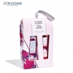*พร้อมส่ง*L'Occitane Holiday 15 Hugs & Kisses Arlesienne Set (HAND+LIP) ชุดครีมทามือและลิปกลอส มอบความหอมกลิ่นดอกไม้ 3 ชนิด อย่าง Provence, May rose, Violet และ Saffron พร้อมความชุ่มชื่นเข้มข้นจาก Shea Butter มอบสัมผัสที่เบาสบาย ไม่เหนียวเหนอะหนะ ,