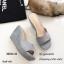 รองเท้าส้นเตารีดหนังกลับทรงสวม (สีกากี) thumbnail 3