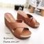 รองเท้าลำลองส้นเตารีดสายไขว้ (สีครีม) thumbnail 3