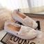 รองเท้าผ้าใบลูกไม้ถักเสริมส้น (สีครีม) thumbnail 1