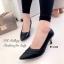 รองเท้าคัทชูหนังนิ่มแต่งลาย (สีดำ) thumbnail 1
