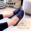 รองเท้าผ้าใบเสริมส้นลายลูกไม้ (สีกรม) thumbnail 2
