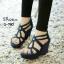 รองเท้าส้นเตารีดฉลุลาย (สีเทา) thumbnail 3