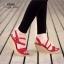 รองเท้าส้นเตารีดกำมะหยี่รัดส้น (สีแดง) thumbnail 4
