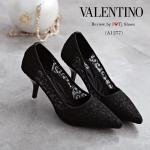 รองเท้าคัทชูผ้าลูกไม้สไตล์ Valentino (สีดำ)