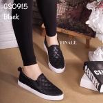 รองเท้าผ้าใบทรง Slip on เย็บลายตาราง (สีดำ)