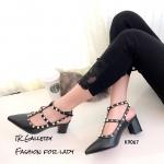 รองเท้า Valentino ส้นตัน (สีดำ)