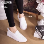 รองเท้าผ้าใบทรง Slip on เย็บลายตาราง (สีขาว)