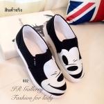 รองเท้าผ้าใบสกรีนลาย Mickey Mouse (สีดำ)
