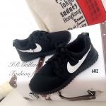 รองเท้าผ้าใบ Style Nike