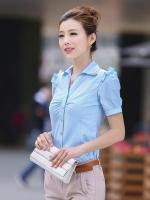 เสื้อเชิ้ตทำงานผู้หญิงสีฟ้า แขนสั้น ไหล่แต่งระบาย คอปกประดับเลื่อม กระดุมหน้า