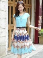ชุดเดรสยาวสีฟ้า กระโปรงพิมพ์ลายดอกไม้ ผ้าชีอง เสื้อแขนสั้น คอกลม แนวหวาน