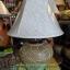 โคมไฟตั้งโต๊ะ ทำจากแจกันดินเผาด่านเกวียน ดอกไม้ สีโคลนโทนน้ำตาล-แดง thumbnail 1