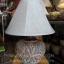 โคมไฟตั้งโต๊ะ ทำจากแจกันดินเผาด่านเกวียน ลวดลายดอกไม้ สีโคลนโทนน้ำตาล-แดง thumbnail 1