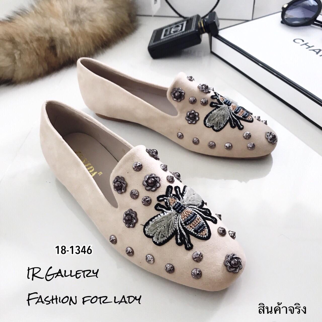 รองเท้าคัทชูทรงสวมปักลายผึ้ง Style Gucci (สีครีม)