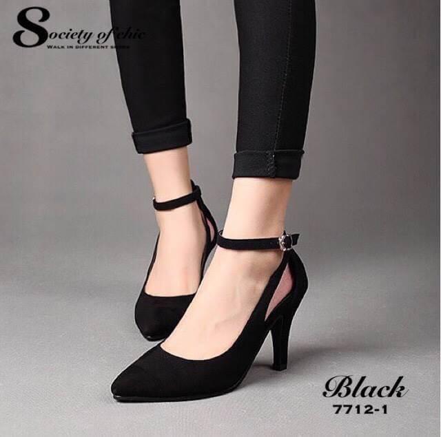 รองเท้าคัทชูกำมะหยี่เว้าข้าง (สีดำ)