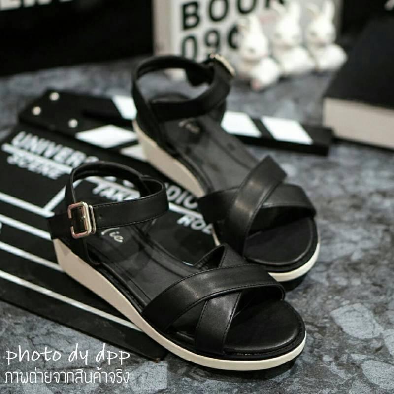 พร้อมส่ง : รองเท้าเสริมส้น (สีดำ)