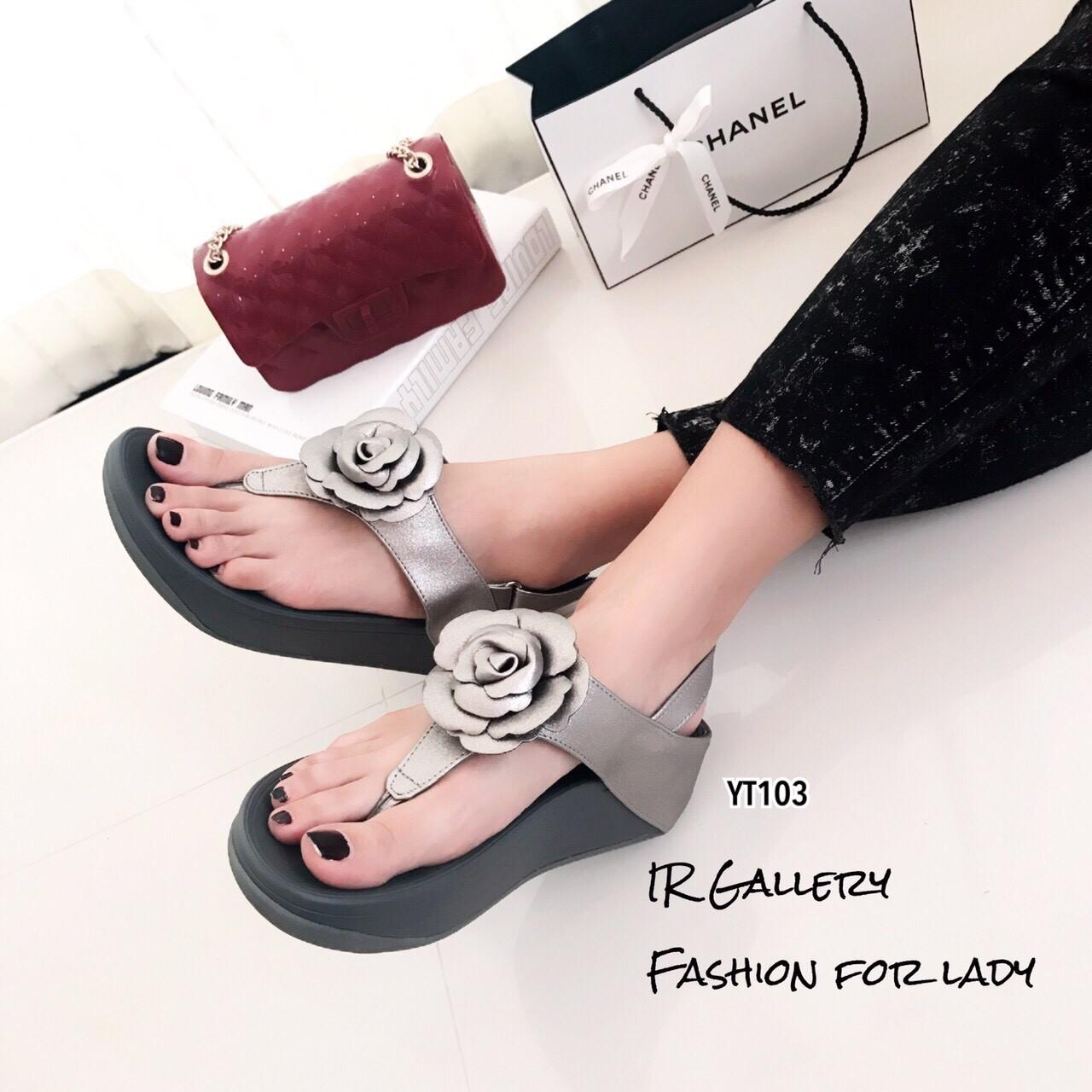 รองเท้าแตะ Style Fit Flop แต่งกุหลาบ (สีเทา)