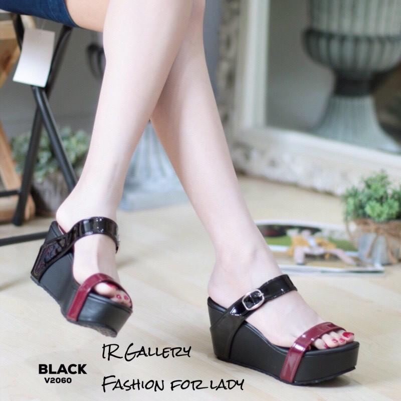 รองเท้าส้นเตารีดทูโทนสไตล์ลำลอง (สีดำ)