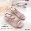 รองเท้าแตะเสริมส้นแต่งดอกไม้ (สีชมพู)